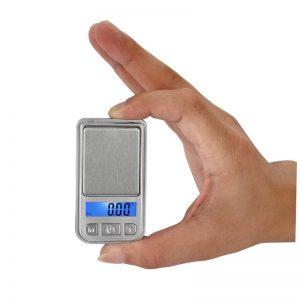 משקל דיגיטלי בגודל קופסת גפרורים