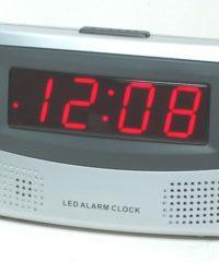 שעון דיגיטלי שולחני חשמלי